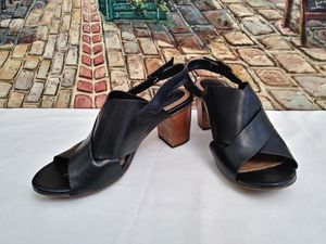 Clarks Ankle Strap High Sandals for Woman. Clark Woman Shoes for Sale in Riverside, CA