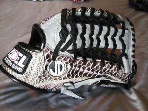 Softball baseball gloves for Sale in Downey, CA