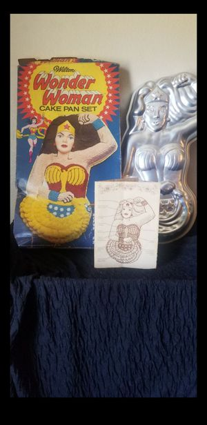 Wonder Woman Cake Pan Set w/ Box and Manual VTg 1970's for Sale in Riverside, CA