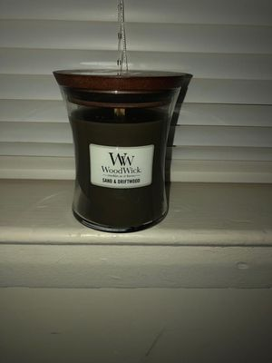 Wood wick candle for Sale in Silver Spring, MD