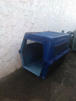 Dog house for Sale in San Jacinto, CA