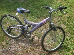 "Next Tiara Pro 24"" Shimano 21 speed for Sale in Opa-locka, FL"