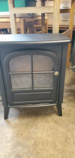 SMALL. ELECTRIC FIREPLACE for Sale in Tumwater, WA