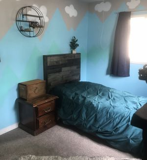 Twin bed for Sale in Sandy, OR