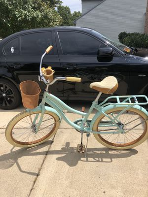"Huffy 24"" Nel Lusso Girls' Cruiser Bike with Perfect Fit Frame, Mint Green for Sale in Brandywine, MD"