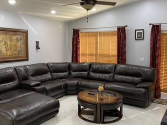 Leather Sectional Sofa With Chase for Sale in Fort Lauderdale,  FL