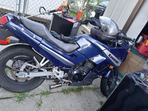 Kawasaki motorcycle dependable nice bike 1400 or best offer for Sale in Wayne, MI