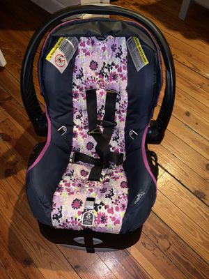 Graco Girls Infant Car seat for Sale in SHENDOAH JCT, WV
