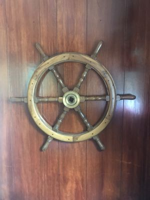 Antique ships wheel 36 inch with a brass or bronze circle in the middle and a square in the center! for Sale in Boothbay Harbor, ME