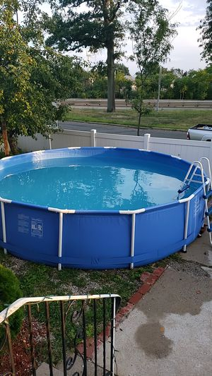 Pool good condition for Sale in Revere, MA