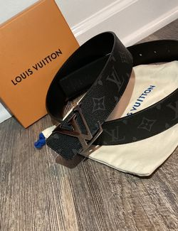 Louis Vuitton Reversible Eclipse belt size 34-40 for Sale in Silver Spring,  MD