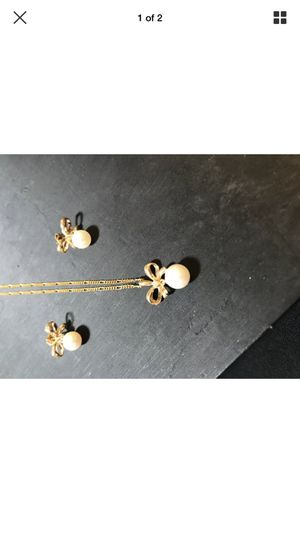 14 karat gold, pearl, diamond necklace and earring set for Sale in Portland, OR