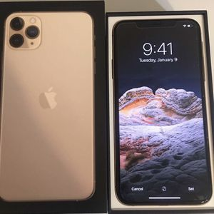 iPhone 11 Pro Mac 64 Gb Gold Unlocked for Sale in Chicago, IL