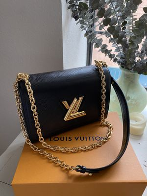 Classic Louis Vuitton mm black twist bag for Sale in Playa del Rey, CA