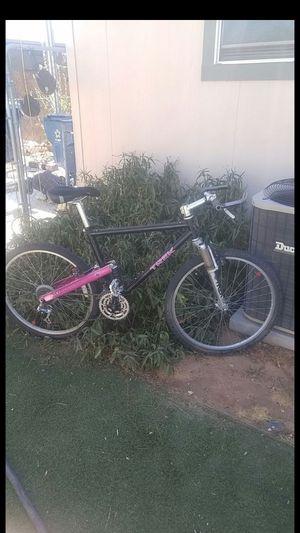 Trek Mountain bike needs TLC!!! 80$ cash for Sale in Las Vegas, NV