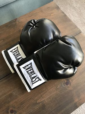 Everlast Boxing Gloves for Sale in Orlando, FL
