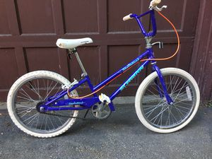 "20"" Girls Schwinn Stardust bicycle for Sale in Grosse Pointe Farms, MI"