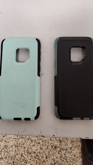 Otterbox commuter phone case for Sale in Twinsburg, OH