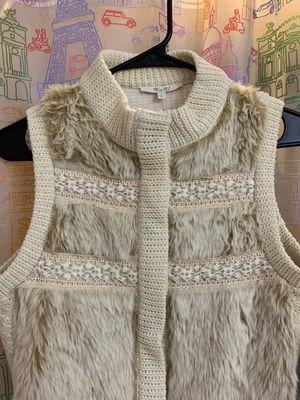 Miss me fur vest size small for Sale in Tarpon Springs, FL