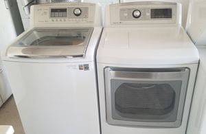 nice and clean washer and electric dryer matching set for Sale in Lathrop, CA
