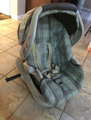 Graco car seat for Sale in Sterling Heights, MI
