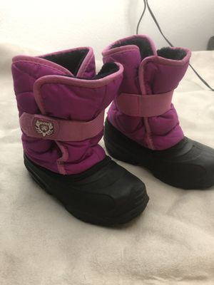 Girl snow boots for Sale in Adelanto, CA
