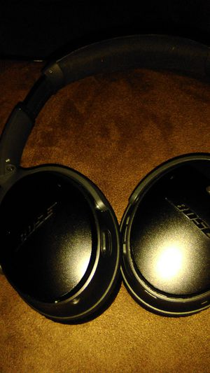 Bose noise cancellation blue tooth headphones for Sale in SeaTac, WA