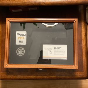 Sig Sauer Display case for Sale in St. Clair Shores, MI