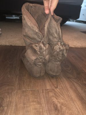 Aldo Brown boots with bow tie backs for Sale in Saint Petersburg, FL