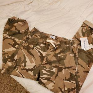 Boys Old Navy Camo Pants for Sale in Chesapeake, VA