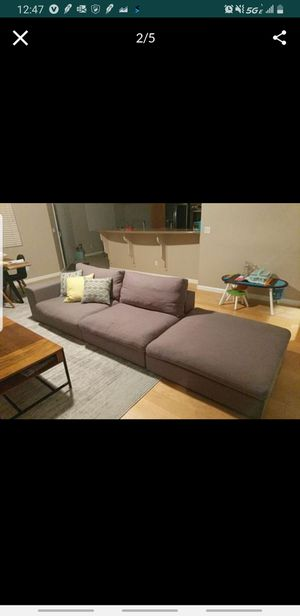 Gray Sectional couch for Sale in Gilroy, CA