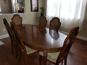 Dining room table and China cabinet for Sale in Fuquay-Varina, NC