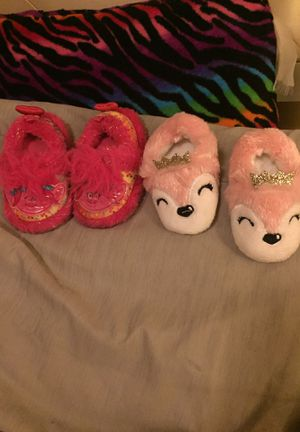 Troll and fox with crown slippers for toddlers for Sale in San Antonio, TX