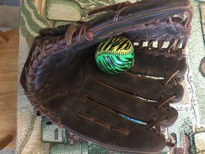 TPX Baseball glove for Sale in Newark, CA
