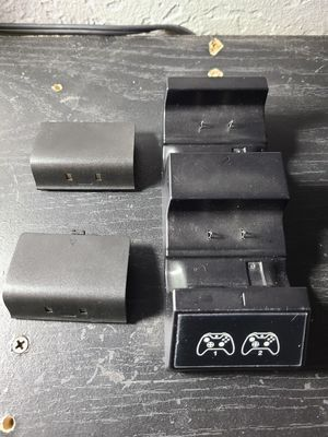 Xbox one battery's and charging doc for Sale in Salinas, CA