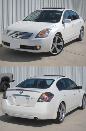 2007 Altima Price $8OO for Sale in Baltimore, MD