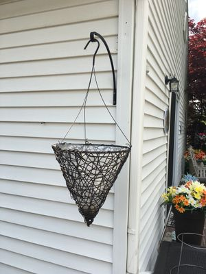 12 Inch Hanging Plant Cone Basket & Stand for Sale in Dearborn Heights, MI