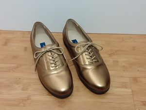 Easy Spirit Gold motion leather Oxfords for Sale in Goodyear, AZ