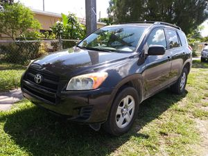 Toyota RAV4 parts for sale 2009 for Sale in Miami, FL