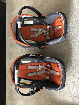One Graco Snugride 35 Clickconnect car seat- one seat and bases sold for Sale in Portland, OR