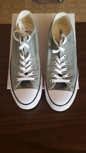 Women's Converse, Size 10 for Sale in Princeton, NC