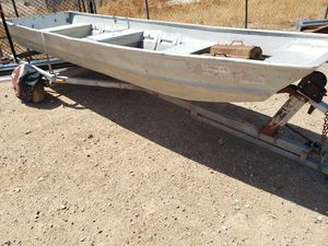 Jonh boat whit trailer for Sale in Buckeye, AZ