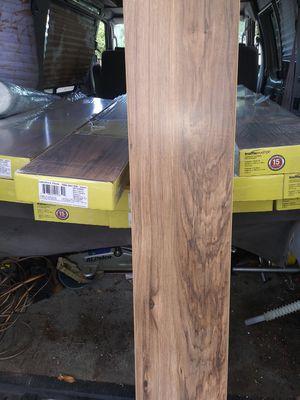 Pecan laminate flooring 290sqft for Sale in Fort Worth, TX