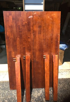 Wood Dining room table for Sale in Columbus, OH