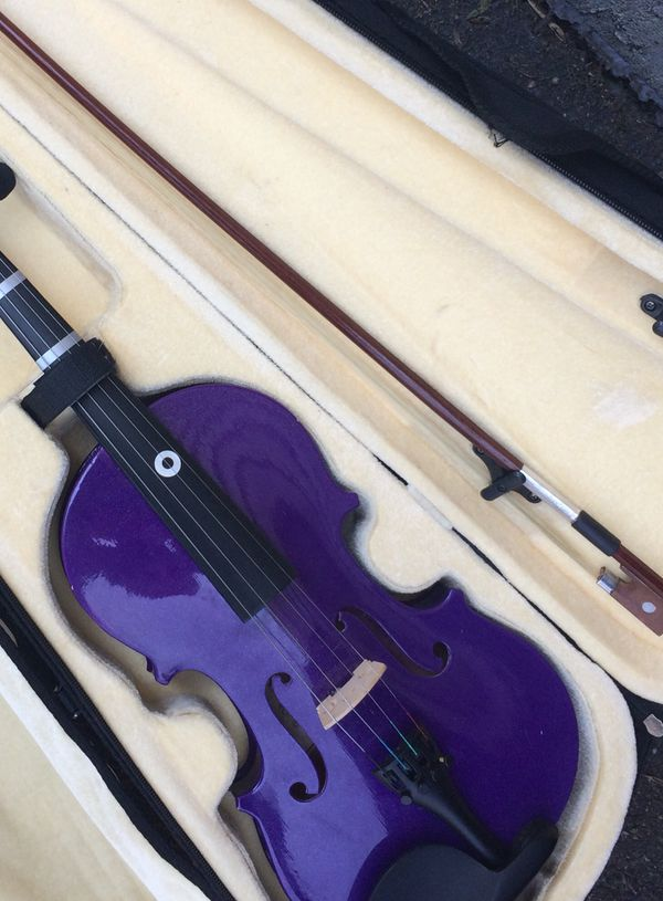 Violin 3/4 size fun purple color! Great for students! Includes violin, case, and bow