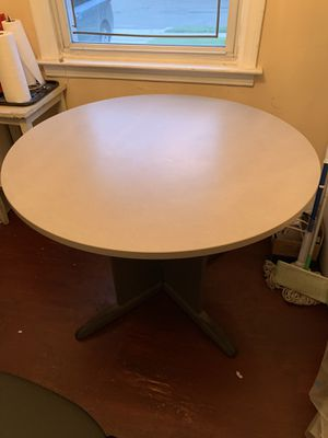 Table for Sale in GARDEN CITY P, NY