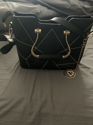 Small Black & Gold Purse for Sale in Madison Heights, VA