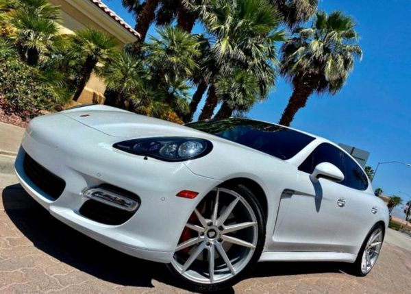 2013 Porsche Panamera AM/FM Stereo
