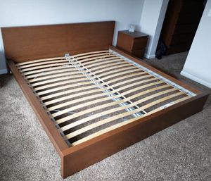 Brown King Size Bed Frame ( Great Condition) for Sale in Salem, OR