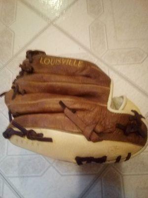Louisville Slugger baseball glove for Sale in Ansonia, CT